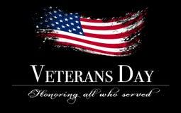 Tampa do dia de veteranos com a bandeira no fundo preto imagens de stock royalty free