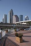 Tampa Florida 2017 Highrise Büros und riverwalk Lizenzfreie Stockbilder