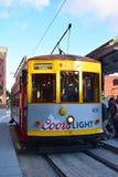 Tampa, Florida - USA - 7. Januar 2016: Ybor-Stadt-Straßenbahn Lizenzfreie Stockfotografie