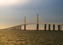 Tampas Bay solskenSkyway bro på solnedgången Fotografering för Bildbyråer