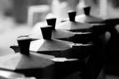 Tampas da cafeteira italiana clássica fotos de stock