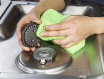 Tampas limpas da parte superior e do queimador do fogão de gás Fotos de Stock Royalty Free