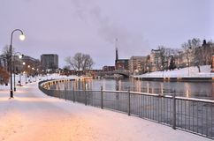 Tampere bij schemering stock fotografie