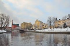 Tampere in Finland in een bewolkte de winterdag stock afbeeldingen