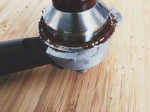 Tampering земной кофе Стоковое Изображение