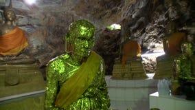 Tample in der Höhle, Buddha, zentrale Halle, Details stock video