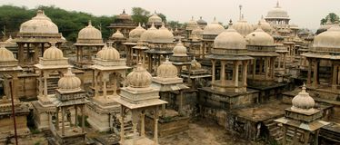 Tamples hindu indianos em Udaipur fotografia de stock royalty free