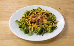 Tampo da mesa de Salmon Broccoli Cheese Plate Wood Imagem de Stock