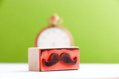 Tampon en caoutchouc de moustaches Concept de conscience de santé du ` s d'hommes de Movember Image stock