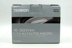 Tamron 16-300mm f/3 5-6 3二ii零售箱子 库存照片