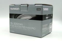 Tamron 16-300mm f/3 5-6 lentille du macro vc de 3 Di II pour la boîte de vente au détail de Sony Images libres de droits