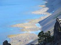 Tan和灰色之字形海滩 免版税库存照片