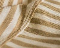 Tan en Ivoor Gestreepte Zachte Textiel stock afbeelding