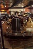 Tan en kastanjebruine 1937 Packard V12 Royalty-vrije Stock Foto