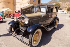 Tan 1931 Ford Slant Window Town Sedan Royalty-vrije Stock Foto's