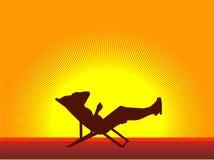 Tan op chaise-longue Royalty-vrije Stock Afbeeldingen
