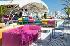Tan Tan海滩夏天俱乐部Mamaia罗马尼亚 库存照片