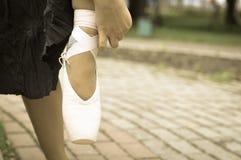 Tana pointe buty na kobiety nodze Obraz Royalty Free