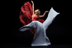 Tana przedstawienie Elastyczne i plastikowe dziewczyny Baletniczy przedstawienie Zdjęcia Royalty Free