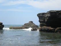 Tanah Lod海滩,巴厘岛,印度尼西亚 图库摄影