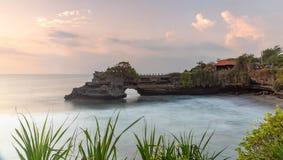 Tanah udziału świątynia i naturalna jama w Beraban wiosce, Tabanan, Bali zdjęcia stock