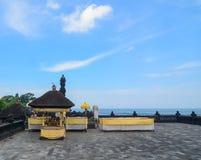 Tanah udziału świątynia przy zmierzchem w Bali, Indonezja Zdjęcia Royalty Free