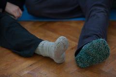 tancerze foots, nogi, na podłoga Zdjęcia Royalty Free