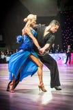 Tancerze tanczy łacińskiego tana Fotografia Royalty Free