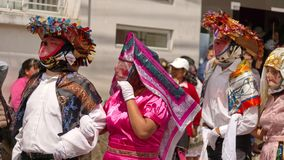 Tancerze w drucianych maskach obraz stock