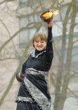 Tanczyć i wyczyny kaskaderscy z ogieniem Fotografia Royalty Free