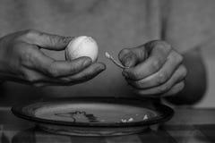 Tanczyć z jajkiem fotografia stock