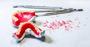 Tand laboratorium lijst van tandtechnicuswerkplaats Stock Foto