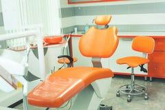 Tand- modernt kontor Tandläkekonstinre Medicinsk utrustning tand- klinik Arkivfoton