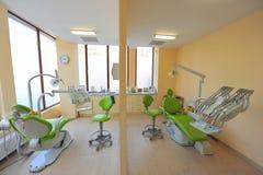 tand- tvilling- doktorskontor för stolar Fotografering för Bildbyråer