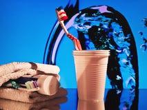 Tandborste - råna - tandkräm Royaltyfri Bild