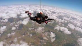 Tandem banhoppning för fallskärmshoppare stock video