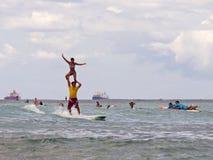 tandema surfarear Arkivbilder