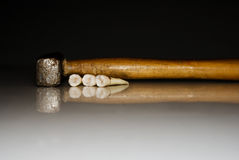 Tanden en hamer royalty-vrije stock foto's