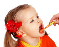 Tanden van de l de schone borstel van het kind. stock foto's