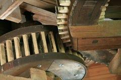 tanden wheels trä Arkivbild