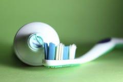 Tandenborstel en tandpasta Royalty-vrije Stock Afbeelding
