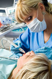 Tandheelkunde, die de tand boort Royalty-vrije Stock Foto's