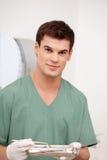 Tandläkare Man Portrait med ett leende Royaltyfri Fotografi