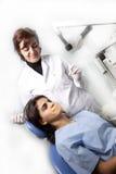 tandläkaretålmodig Arkivfoto