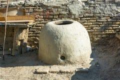 Tandoor del forno dell'Uzbeco per pane bollente Fotografia Stock