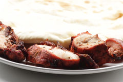 Free Tandoori Chicken And Cheese Naan Bread Royalty Free Stock Images - 13465059