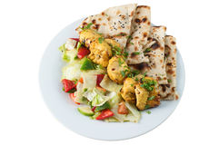 Tandoorikip met salade en chapati Royalty-vrije Stock Fotografie