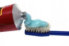 Tandpasta en tooth-brush Royalty-vrije Stock Afbeeldingen