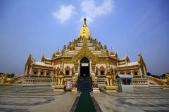 Tandrelikpagod, Yangon Denna pagod göras nyligen efter det 2nd världskriget fotografering för bildbyråer