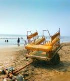 tanga da equitação ao lado do mar árabe mumbai imagens de stock royalty free